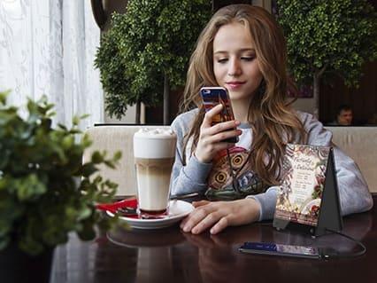 Cargador de celular para restaurante, bar